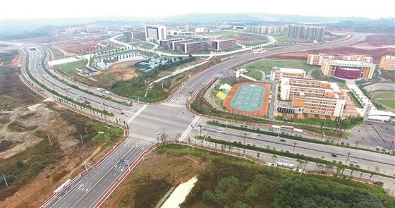岷东新貌 大学城 拔地而起图片